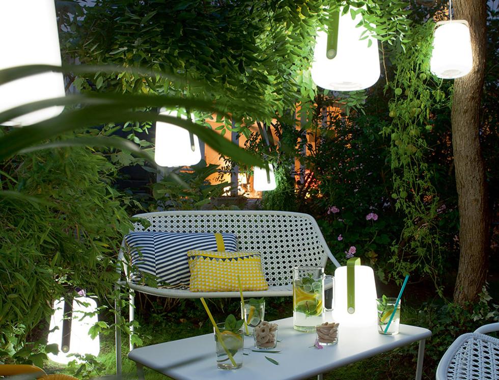 nouvelle lampe balad de fermob. Black Bedroom Furniture Sets. Home Design Ideas